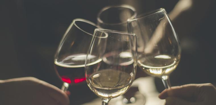 Événement, apéro, verres de vin