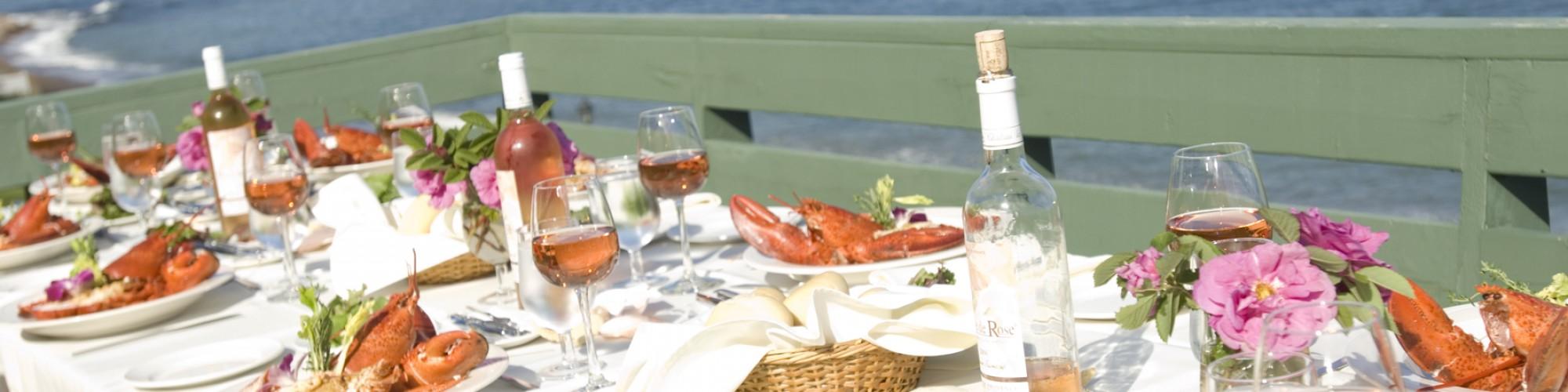 Repas de homard, terrasse, bord de mer, rocher Percé