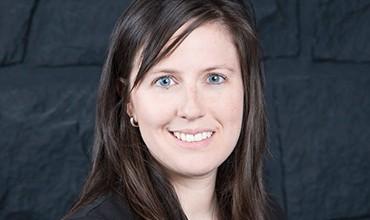 Mélissa Pearson, Agente aux ventes et marketing
