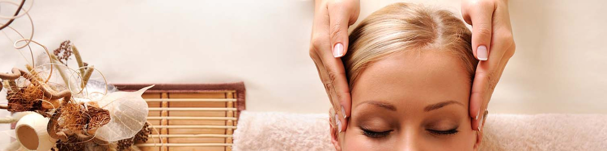 Femme, détente, massage