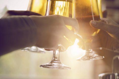 Célébrez, Prend un verre, Restaurant