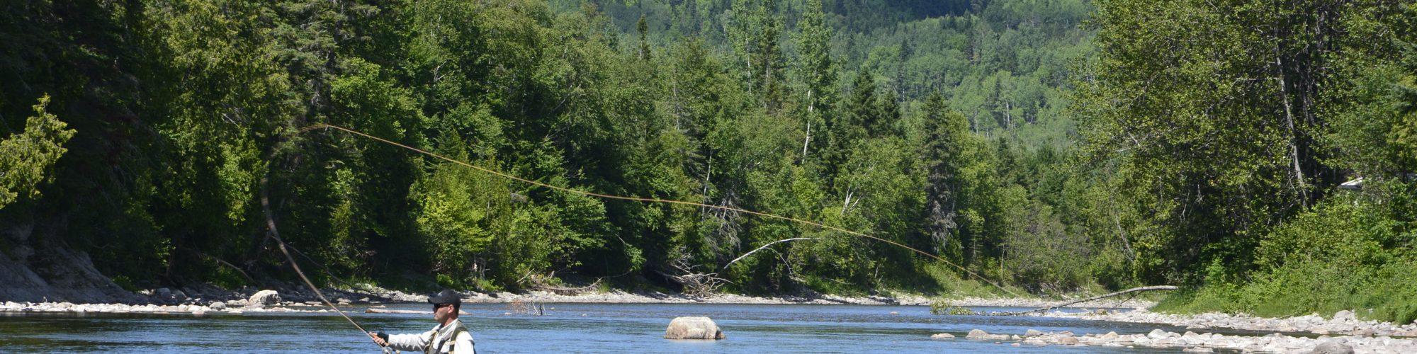 Pêcheur rivière matane